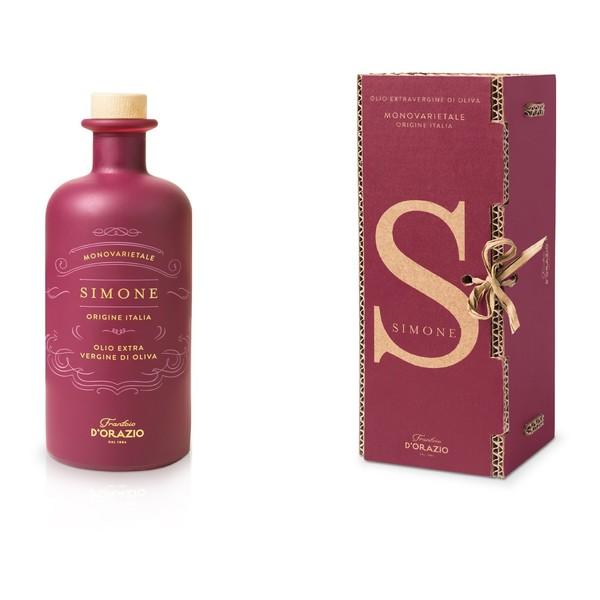 Simone in gift box.jpg